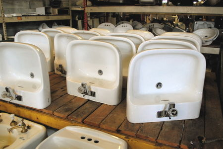 These Bathroom Sinks Were A Bargain For 35 With Pedestals But Could Look Great As Wall Hung Too