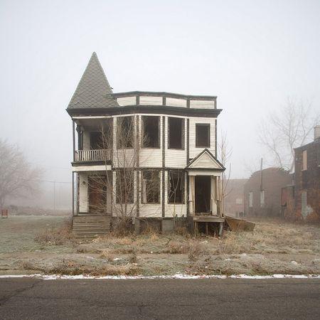 Abandoned_15