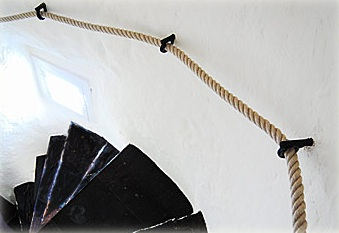 Stair-ropes-black-stairs